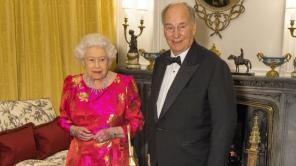 The Queen hosts dinner to mark Aga Khan's diamond jubilee | The National UAE