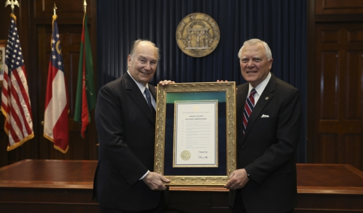 Governor of the State of Georgia (USA) presents His Highness the Aga Khan with Proclamation on the occasion of his Diamond Jubilee