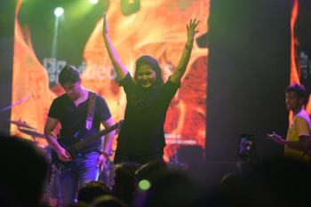 Azima Dhanjee & Strings: Feeling The Music: A Pakistani Band's Concert For The Deaf