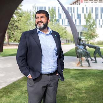 Rahim Sajan receives Arch Award 2018 by University of Calgary Alumni Association