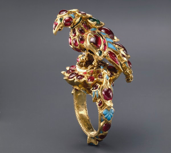 Ring, India, 17th century, gold, set with rubies, emeralds, and turquoise. Courtesy of The al-Sabah Collection, Kuwait, LNS 752 J