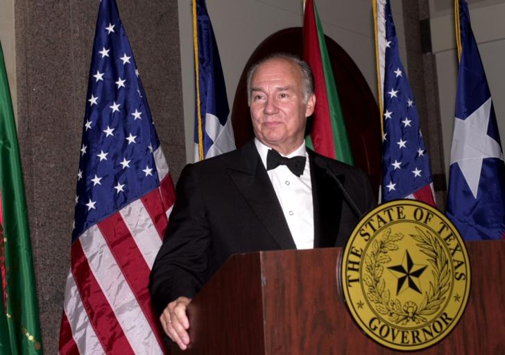 His Highness the Aga Khan delivering a speech at a banquet hosted by the Governor of Texas Rick Perry in honour of His Highness' visit to Texas. AKDN / ZAHUR RAMJI
